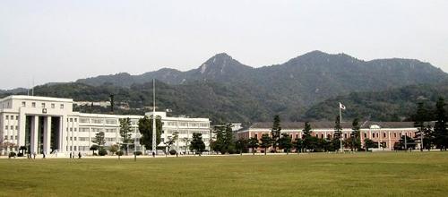 海軍兵学校生徒館